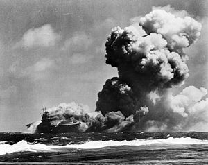Schrott USS_Wasp_(CV-7)_burning_15_Sep_1942